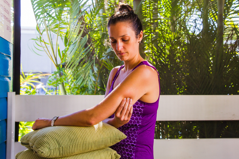 Tricep – self-release reaching around
